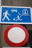 σημάδι οδικής ασφάλειας Στοκ Φωτογραφίες
