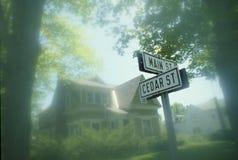 Σημάδι οδών - κεντρικός δρόμος ΗΠΑ Στοκ φωτογραφίες με δικαίωμα ελεύθερης χρήσης
