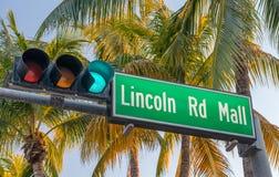 Σημάδι οδών οδικών λεωφόρων του Λίνκολν Είναι ένας διάσημος δρόμος του Μαϊάμι Beac Στοκ Εικόνες