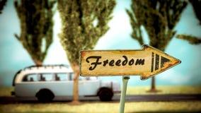 Σημάδι οδών στην ελευθερία στοκ εικόνα