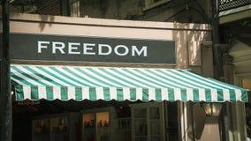 Σημάδι οδών στην ελευθερία στοκ εικόνες με δικαίωμα ελεύθερης χρήσης