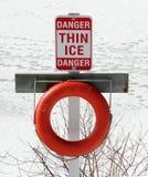 σημάδι πάγου λεπτό Στοκ Φωτογραφίες