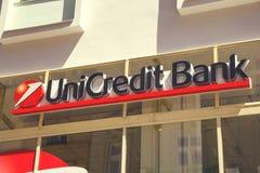 Σημάδι τραπεζών UniCredit Στοκ εικόνες με δικαίωμα ελεύθερης χρήσης