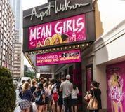 Σημάνετε τα κορίτσια στο θέατρο Αυγούστου στοκ φωτογραφία