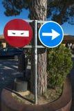 Σημάδια κυκλοφορίας στη Βαρκελώνη στοκ φωτογραφίες με δικαίωμα ελεύθερης χρήσης