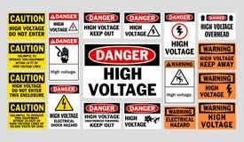 Σημάδια υψηλής τάσης κινδύνου Στοκ εικόνα με δικαίωμα ελεύθερης χρήσης
