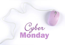 Σημάδι αγορών πώλησης Δευτέρας Cyber με το ρόδινο πορφυρό ποντίκι υπολογιστών στοκ φωτογραφίες
