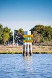 Σημάδι βαρκών στη λιμνοθάλασσα Grado Friuli Venezia Giulia, Ιταλία Στοκ εικόνα με δικαίωμα ελεύθερης χρήσης