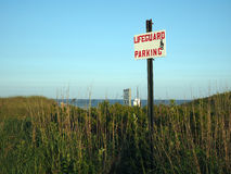 Σημάδι για την παραλία Montauk Νέα Υόρκη πεδιάδων τάφρων χώρων στάθμευσης lifeguard Στοκ φωτογραφίες με δικαίωμα ελεύθερης χρήσης