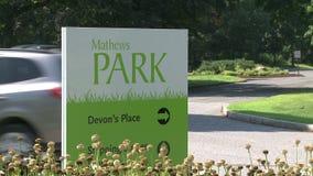 Σημάδι για το πάρκο του Matthew (2 2) απόθεμα βίντεο