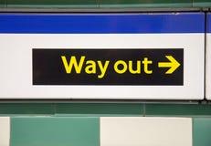 Σημάδι εξόδου στο Λονδίνο υπόγεια Στοκ φωτογραφία με δικαίωμα ελεύθερης χρήσης