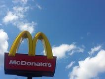 Σημάδι εστιατορίων Mcdonalds Στοκ φωτογραφία με δικαίωμα ελεύθερης χρήσης