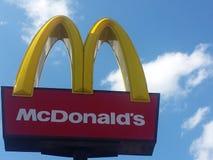 Σημάδι εστιατορίων Mcdonalds Στοκ εικόνα με δικαίωμα ελεύθερης χρήσης