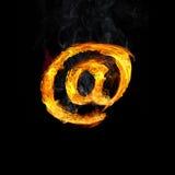 @ Σημάδι ηλεκτρονικού ταχυδρομείου στις φλόγες Στοκ φωτογραφία με δικαίωμα ελεύθερης χρήσης