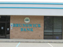 Σημάδι και λογότυπο τραπεζών του Brunswick στον τοίχο σε NJ, ΗΠΑ Ð « Στοκ φωτογραφία με δικαίωμα ελεύθερης χρήσης