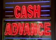 Σημάδι καταστημάτων δανείου προόδου μετρητών στοκ φωτογραφία με δικαίωμα ελεύθερης χρήσης