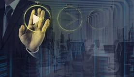Σημάδι κουμπιών παιχνιδιού Τύπου χεριών για να αρχίσει Στοκ Εικόνα