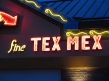 Σημάδι νέου εστιατορίων Mex Tex Στοκ εικόνα με δικαίωμα ελεύθερης χρήσης