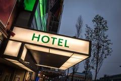 Σημάδι ξενοδοχείων (LIT) στοκ φωτογραφία με δικαίωμα ελεύθερης χρήσης