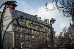 Σημάδι Παρίσι μετρό Στοκ εικόνα με δικαίωμα ελεύθερης χρήσης