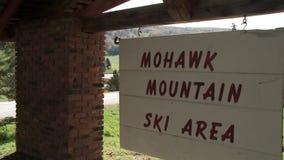 Σημάδι περιοχής σκι βουνών Mohawk (2 2) φιλμ μικρού μήκους