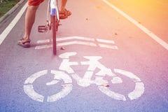 Σημάδι ποδηλάτων, πάροδος ποδηλάτων Στοκ Φωτογραφία