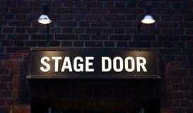 Σημάδι σκηνικών πορτών Στοκ φωτογραφία με δικαίωμα ελεύθερης χρήσης