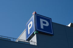 σημάδι στάθμευσης Στοκ Φωτογραφίες