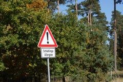 Σημάδι στη Γερμανία στο beware των εντόμων Στοκ εικόνες με δικαίωμα ελεύθερης χρήσης