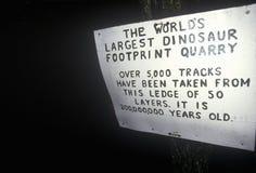 Σημάδι στο έδαφος του Nash Dino, νότος Hadley, Μασαχουσέτη Στοκ Φωτογραφίες