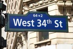 Σημάδι δυτικών 34ο οδών στην πόλη της Νέας Υόρκης Στοκ φωτογραφία με δικαίωμα ελεύθερης χρήσης