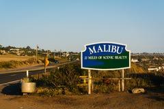 Σημάδι Malibu, κατά μήκος της εθνικής οδού Pacific Coast, σε Malibu, Καλιφόρνια Στοκ Εικόνες