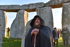 Σημάδι Pagans το φθινόπωρο Equinox σε Stonehenge Στοκ Φωτογραφίες