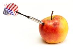σημαία βελών μήλων που κο&lamb Στοκ φωτογραφία με δικαίωμα ελεύθερης χρήσης