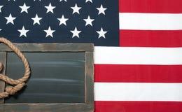 σημαία ΗΠΑ Αμερικανική σημαία στο ξύλινο υπόβαθρο Στοκ φωτογραφία με δικαίωμα ελεύθερης χρήσης