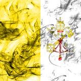 Σημαία καπνού πόλεων του Βατικανού σε ένα άσπρο υπόβαθρο Στοκ Εικόνες