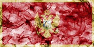 Σημαία καπνού του Μαυροβουνίου που απομονώνεται σε ένα άσπρο υπόβαθρο Στοκ Εικόνες