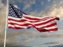 σημαία πέρα από τον ουρανό ε&mu Στοκ εικόνες με δικαίωμα ελεύθερης χρήσης