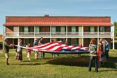 Σημαία που διπλώνει στο εθνικό μνημείο McHenry οχυρών στη Βαλτιμόρη, Μέρυλαντ Στοκ Εικόνες