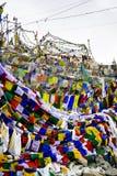 Σημαία προσευχής στο πέρασμα Λα Khardung Στοκ Εικόνα