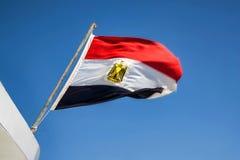 Σημαία της Αιγύπτου που κυματίζει στον αέρα Στοκ εικόνα με δικαίωμα ελεύθερης χρήσης