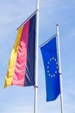Σημαία της Γερμανίας και σημαία της Ευρώπης Στοκ φωτογραφία με δικαίωμα ελεύθερης χρήσης