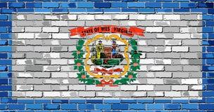 Σημαία της δυτικής Βιρτζίνια σε έναν τουβλότοιχο ελεύθερη απεικόνιση δικαιώματος