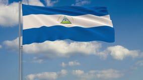 Σημαία της Νικαράγουας στο κλίμα του ουρανού σύννεφων διανυσματική απεικόνιση