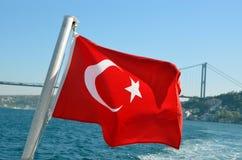 Σημαία της Τουρκίας σε Bosphorus Στοκ Εικόνες