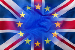 Σημαία του Ηνωμένου Βασιλείου και της Ευρωπαϊκής Ένωσης Βρετανική σημαία και σημαία της ΕΕ βρετανική ένωση γρύλων σημαιών Στοκ Φωτογραφίες