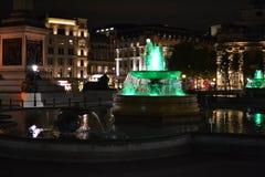 Σημαία του Λονδίνου νύχτας φωτιών Στοκ φωτογραφία με δικαίωμα ελεύθερης χρήσης