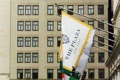 Σημαία του ξενοδοχείου Plaza Στοκ εικόνες με δικαίωμα ελεύθερης χρήσης