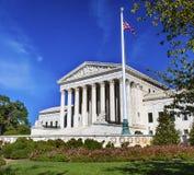 Σημαία το πρωινό Washington DC του Κάπιτολ Χιλλ αμερικανικού ανώτατου δικαστηρίου Στοκ Φωτογραφίες