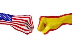 Σημαία των ΗΠΑ και της Ισπανίας Πάλη έννοιας, επιχειρησιακός ανταγωνισμός, σύγκρουση ή αθλητικά θεάματα στοκ εικόνες